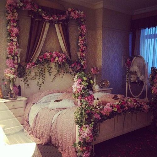 Stwórz swój bajeczny pokój pokryty kwiatami