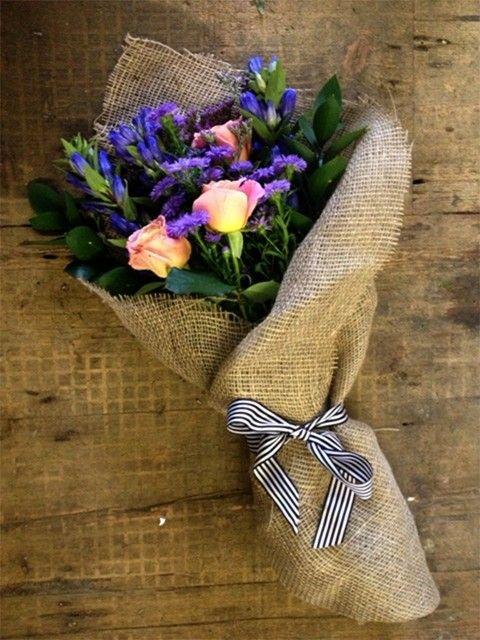 Dobór papieru dekoracyjnego do bukietów
