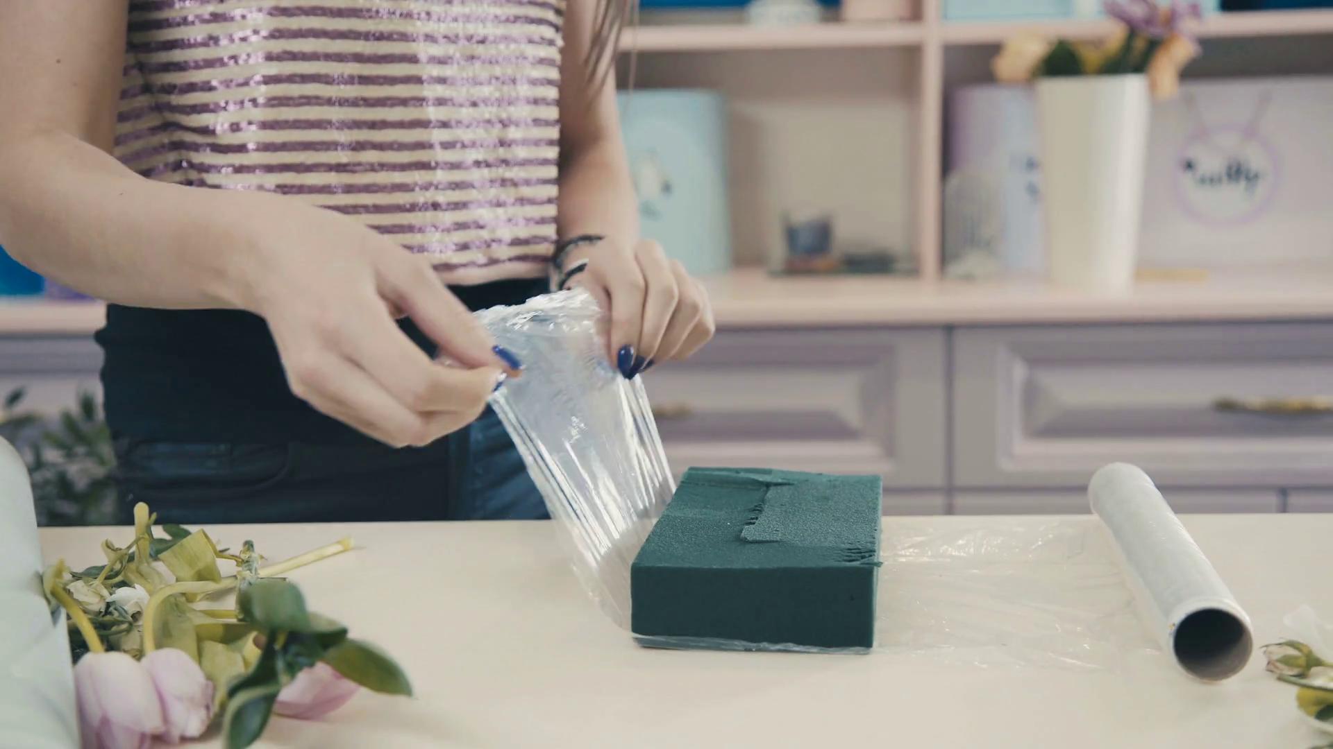 Jak używać gąbkę florystyczną