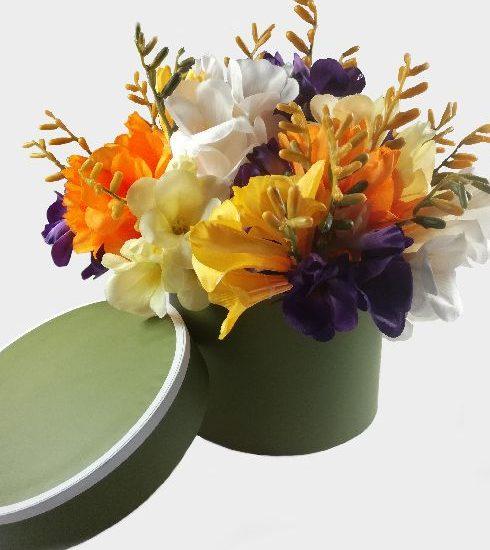 Wiosna w oliwkowym flower-boxie
